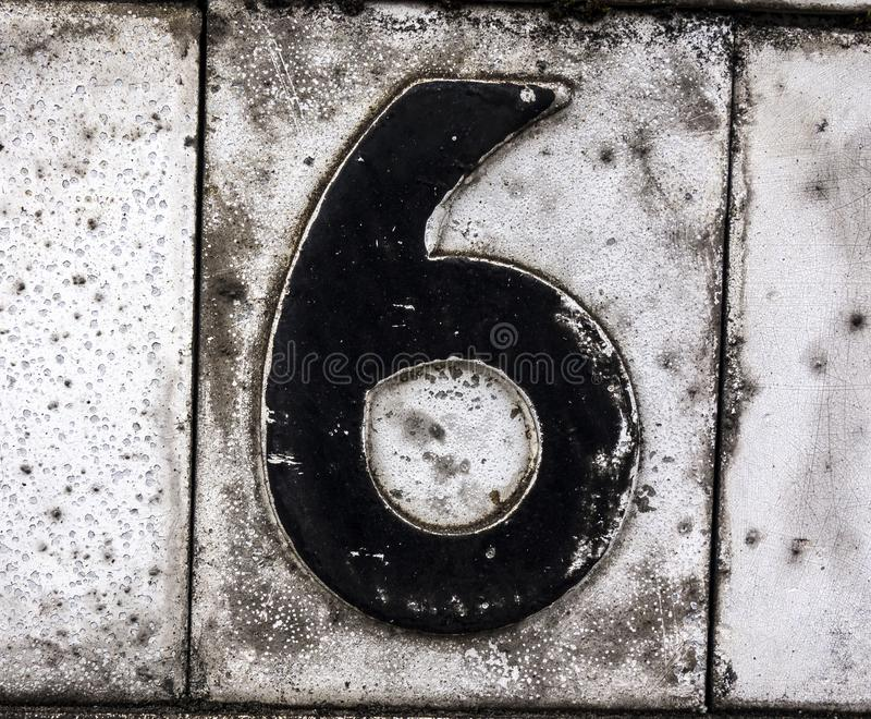 Espressione scritta nello stato afflitto numero trovato tipografia sei 6 fotografie stock