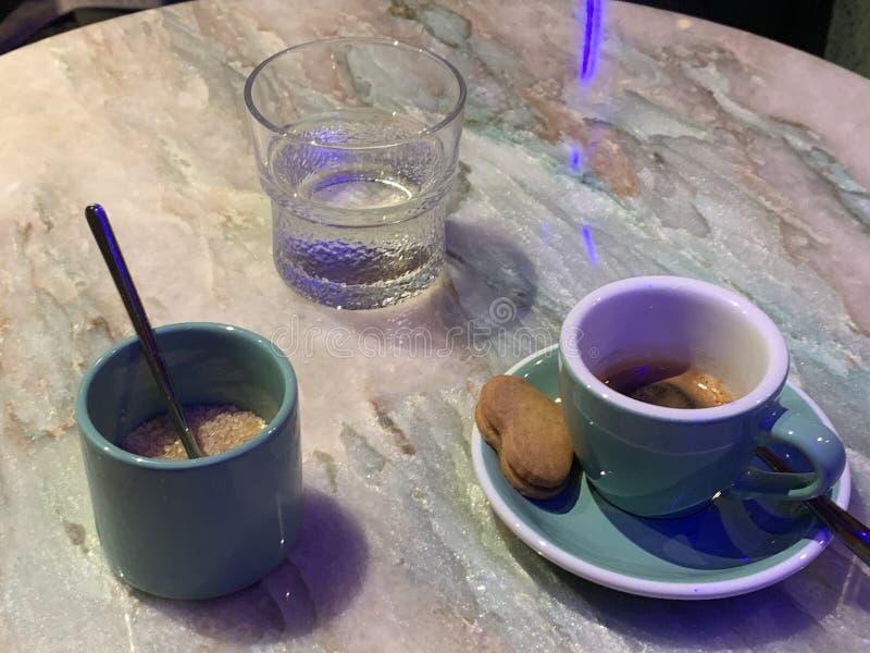 Espresso com biscoitos fotografia de stock