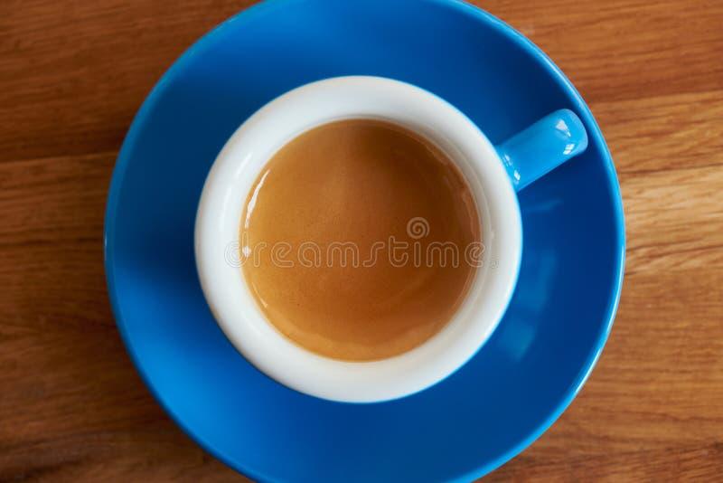 Espresso in een Blauwe Kop royalty-vrije stock afbeeldingen