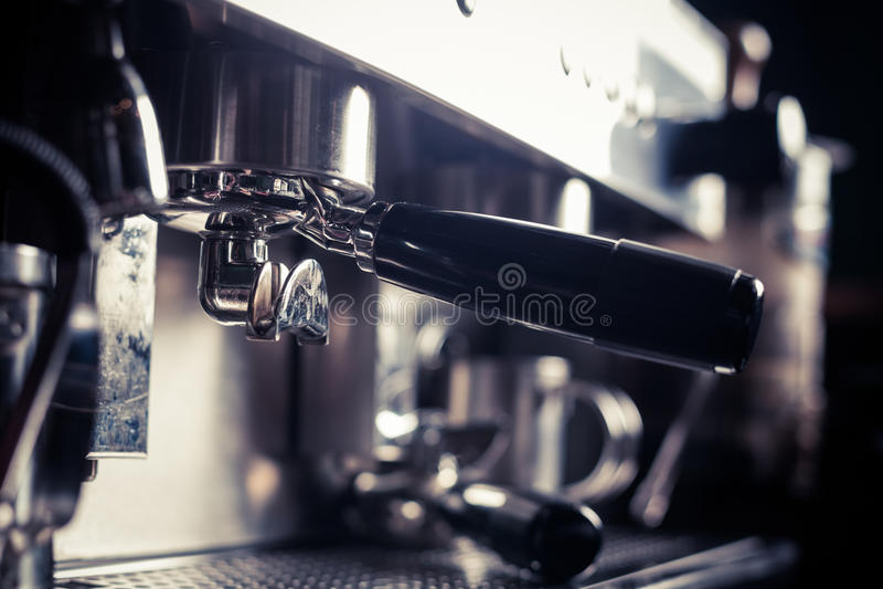 Espressodanandemaskin arkivfoton