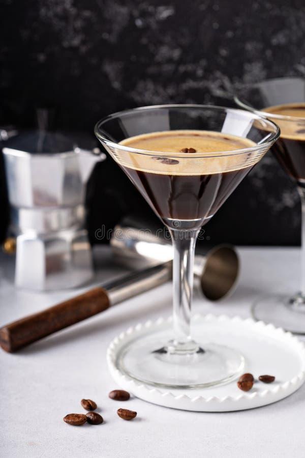 Espressomartini itu exponeringsglas fotografering för bildbyråer