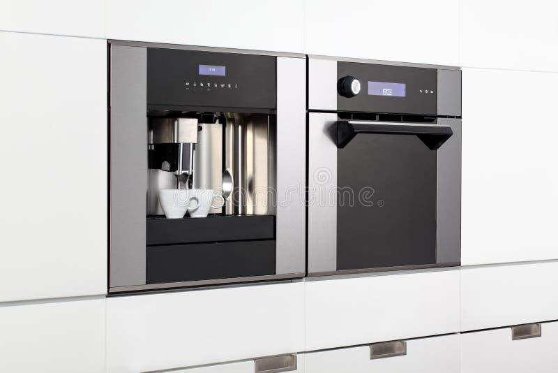Espressomaskin och ångaugn fotografering för bildbyråer