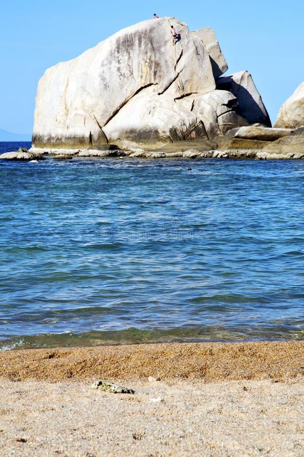 espuma grande da espuma das rochas da ilha do litoral de tao imagem de stock royalty free