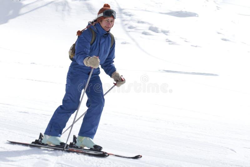 Esquí de la mujer fotos de archivo