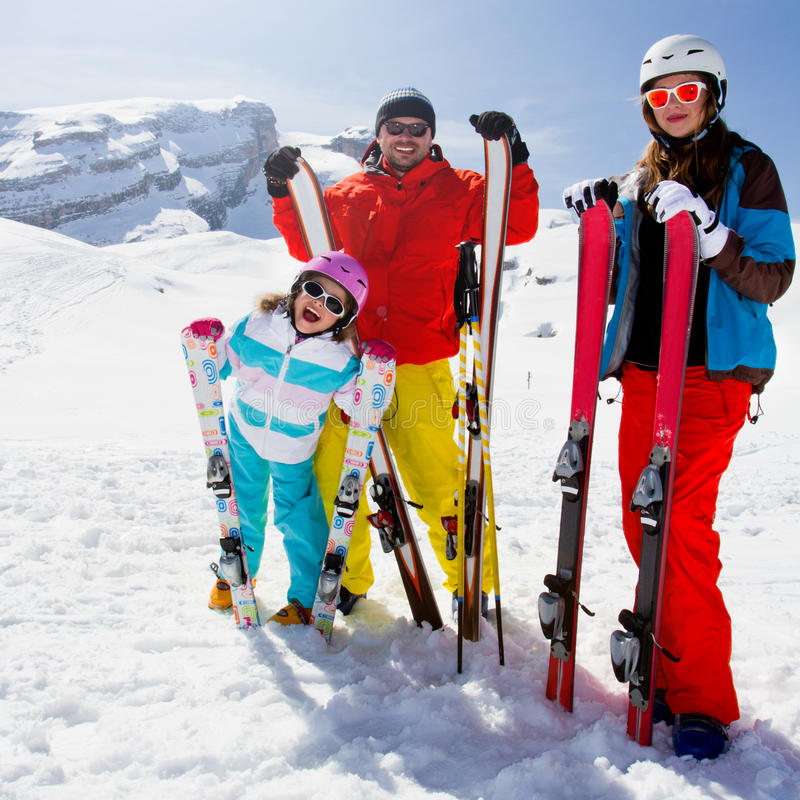 Esquí, diversión del invierno imagenes de archivo