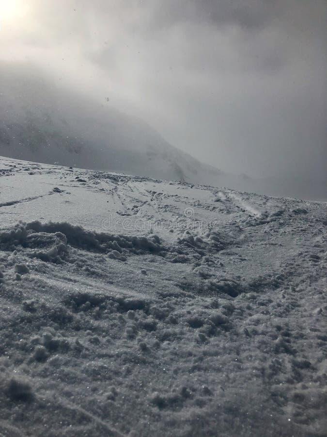 Esquí en la estación de esquí del glaciar de Stubai imagenes de archivo
