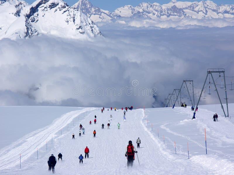 Esquí en Zermatt imagenes de archivo