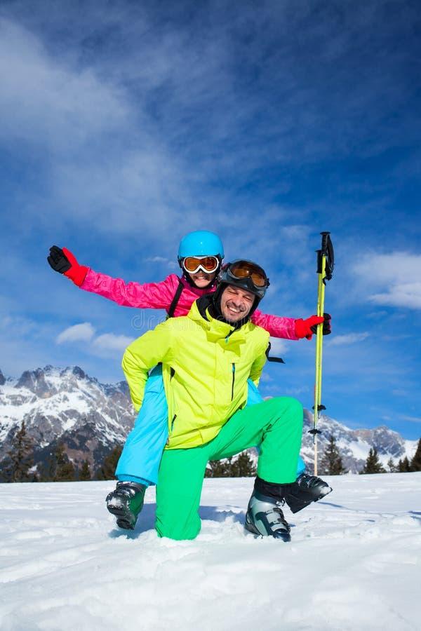 Esquí, invierno, nieve, esquiadores fotografía de archivo