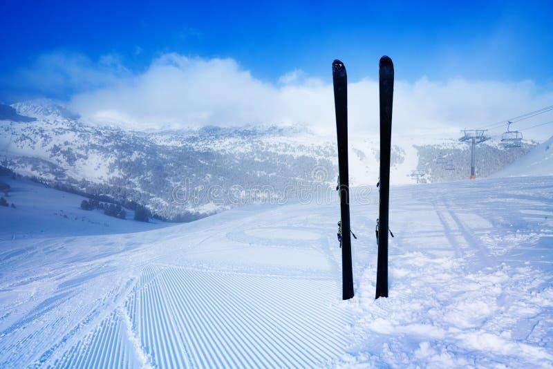 Esquí para la montaña fotos de archivo