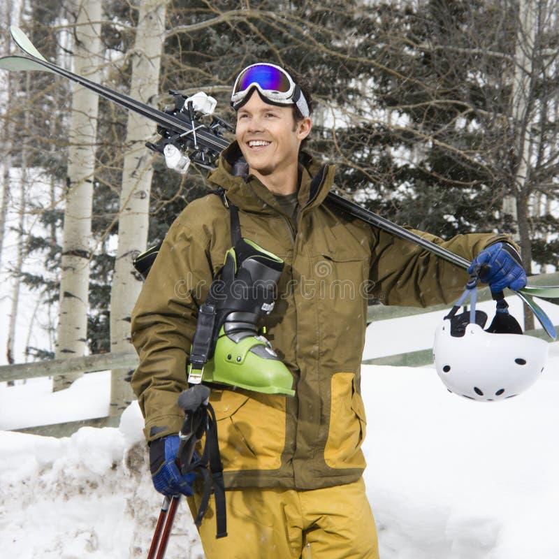 Esquí que va del hombre. fotografía de archivo
