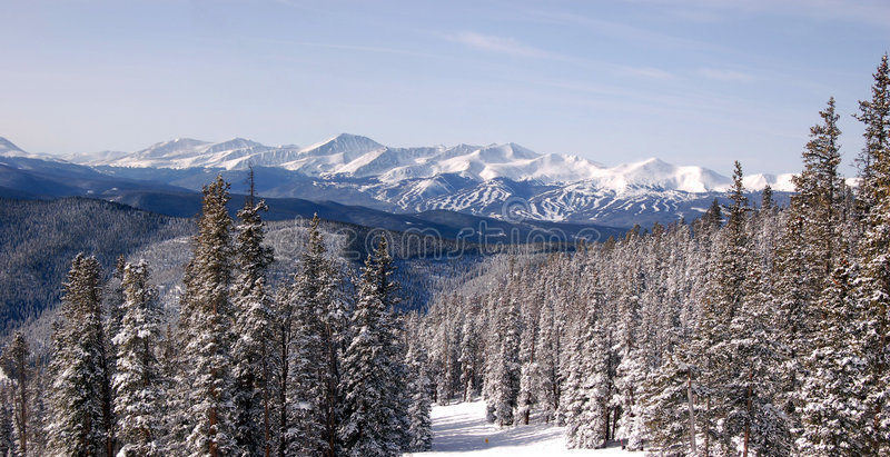 Esquían los Rockies imagen de archivo libre de regalías