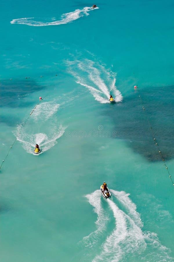 Esquís tropicales del jet fotos de archivo