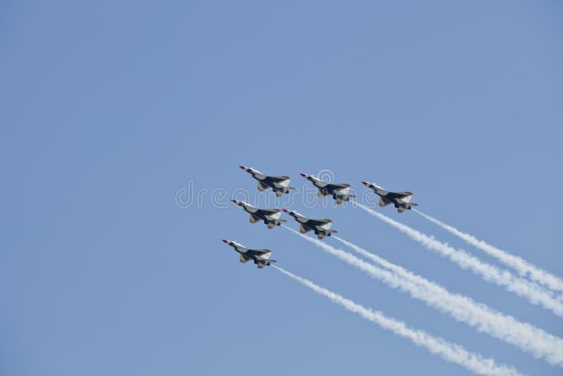 Esquadrão da demonstração dos Thunderbirds da força aérea de E.U. foto de stock royalty free