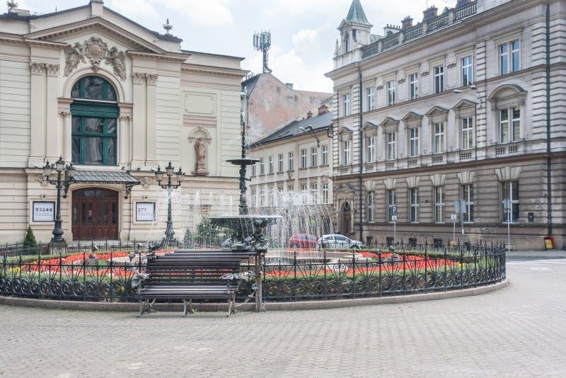 Esquadre com o teatro polonês em Bielsko Biala fundado em 1890 imagem de stock