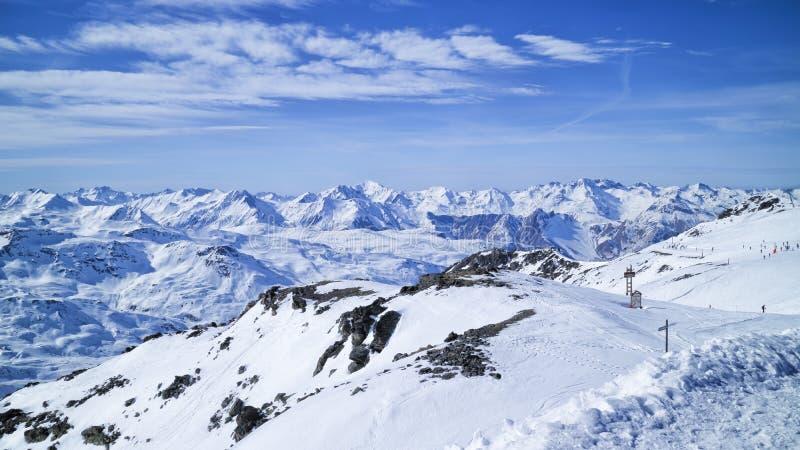 Esqui alpino, recurso do esporte de inverno em França imagens de stock royalty free