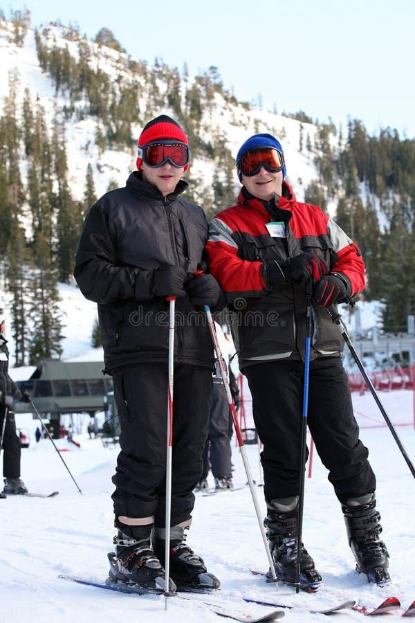 Esqui da família fotografia de stock royalty free