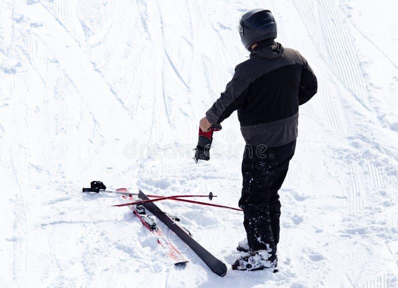 Esqui do esquiador no inverno fotos de stock