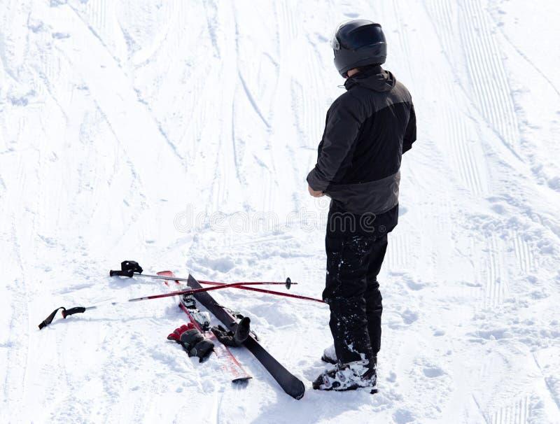 Esqui do esquiador no inverno fotos de stock royalty free