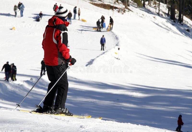 Esqui nas montanhas imagens de stock royalty free