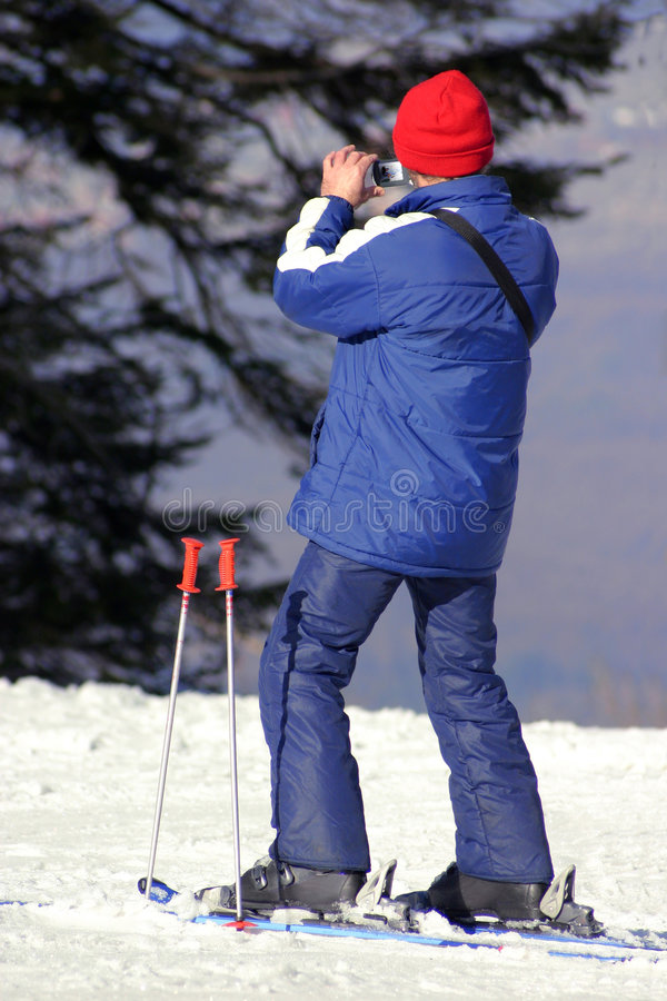 Download Esquiador foto de archivo. Imagen de holding, reconstrucción - 1294268