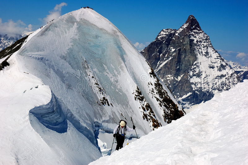 Esquiador de Backcountry imagen de archivo