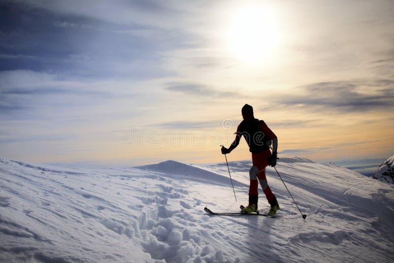 Esquiador de Backcountry imágenes de archivo libres de regalías