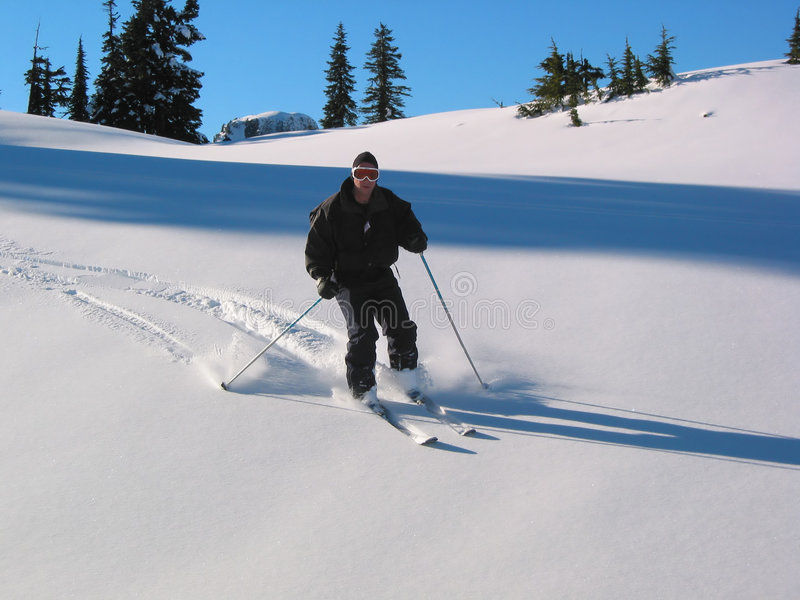 Download Esquiador em declive foto de stock. Imagem de snowboarding - 58336