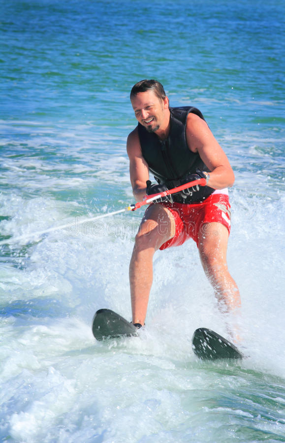 Esquiador masculino da água foto de stock royalty free
