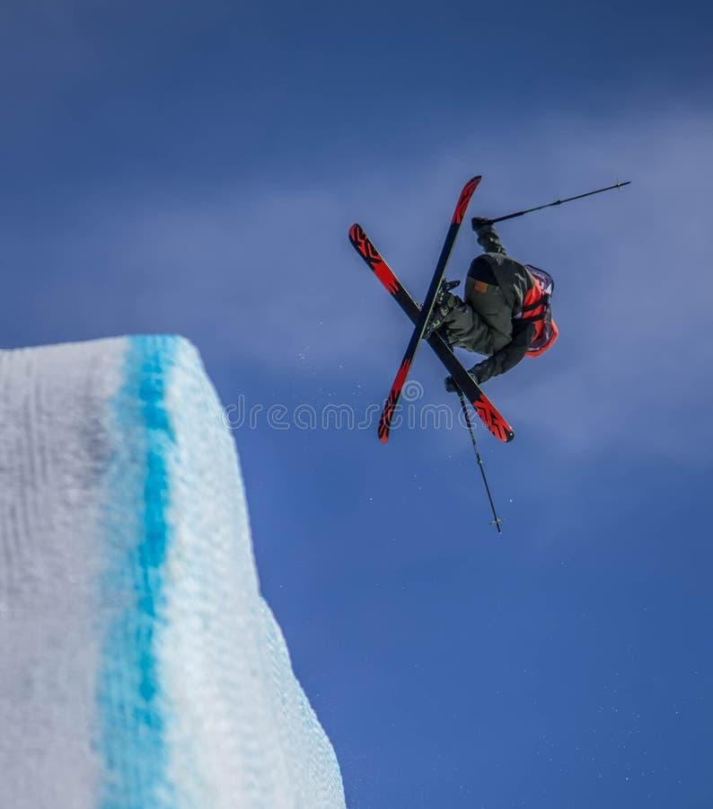 Esquiador na ação foto de stock royalty free