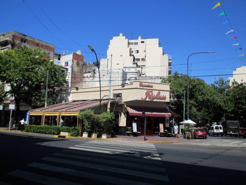 Esquina del tango de Pugliese de la esquina del restaurante de Café en la vecindad de Buenos Aires de Boedo Buenos Aires la Arge foto de archivo