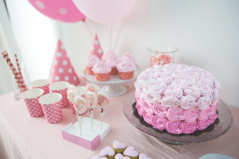 Esquina dulce de una fiesta de cumpleaños fotografía de archivo libre de regalías