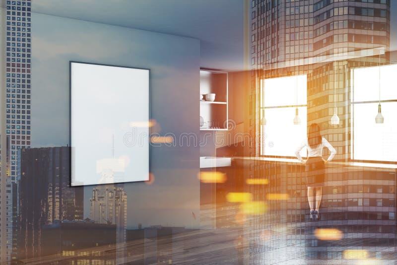 Esquina gris de la cocina, cartel vertical, mujer fotos de archivo libres de regalías