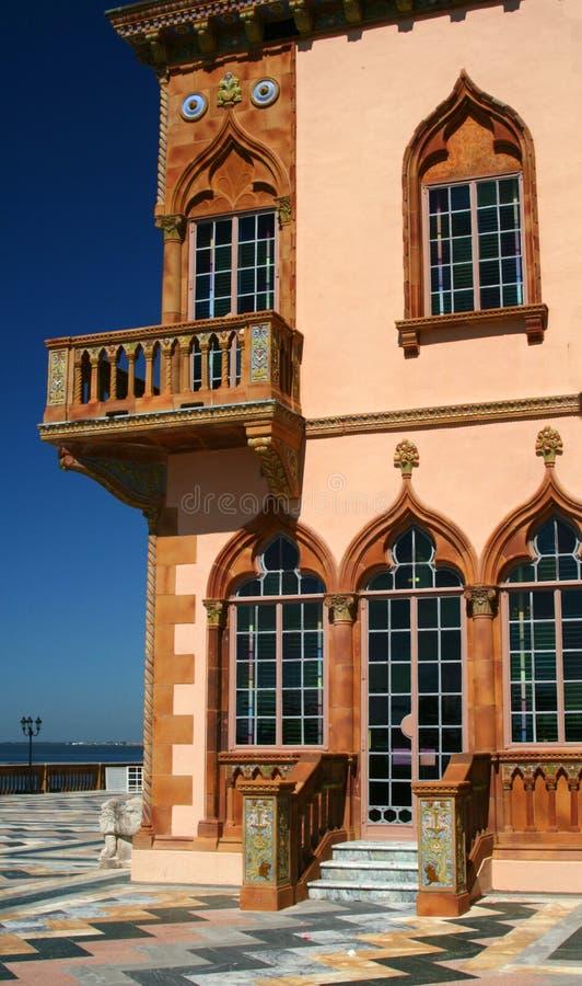 Esquina, mansión de Mediterrarean imagen de archivo