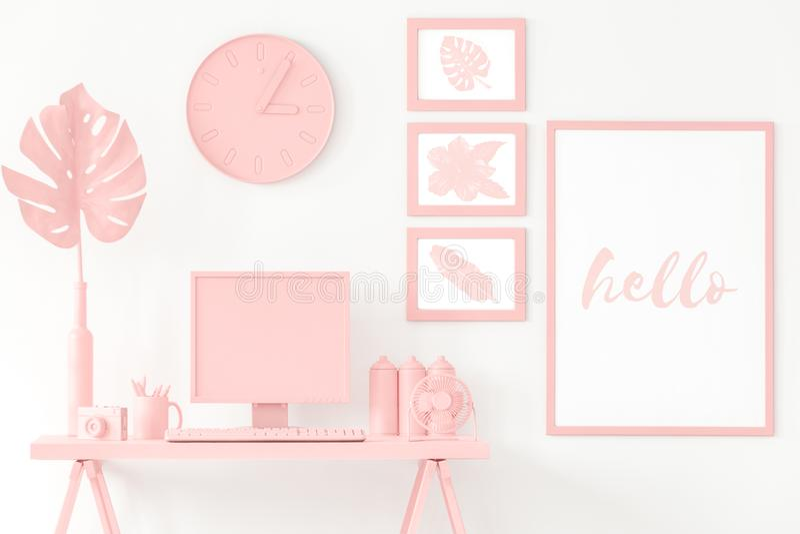 Esquina rosada del estudio imagenes de archivo