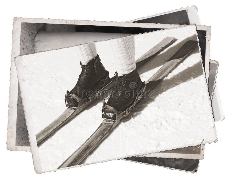 Esquis e botas velhos do vintage das fotos fotografia de stock royalty free