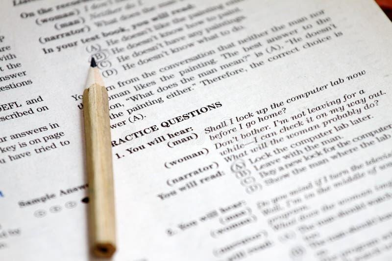 essai L'essai anglais choisissent la bonne réponse Bordereau de contrôle de grammaire anglaise Examen d'essai de choix multiple p photos libres de droits