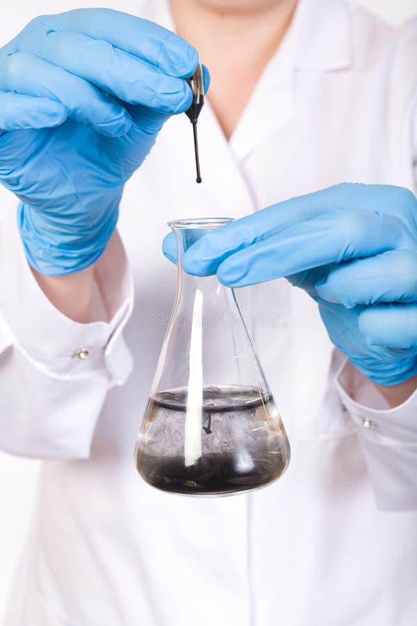 Essais en laboratoire, contamination de l'eau photos libres de droits