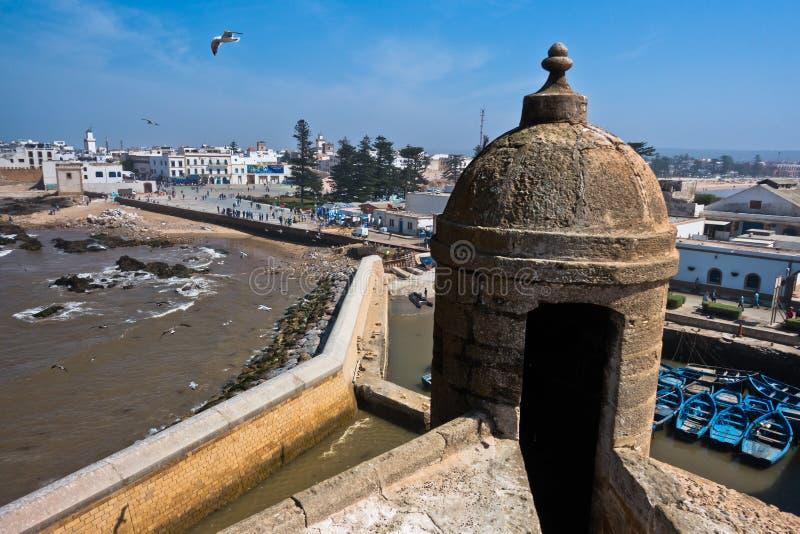 Essaouira lucht panoramische cityscape mening van oude vesting bij de kust van de Atlantische Oceaan in Marokko royalty-vrije stock afbeelding