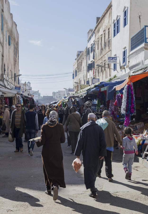 Essaouira, Maroc - 8 janvier 2017 : Les gens sur les rues d'Essaouira image stock