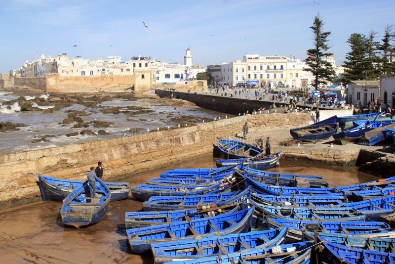 Essaouira Ramparts powietrzny panoramiczny widok w Essaouira, Maroko z tradycyjnymi błękitnymi połowów statkami Essaouira jest mi zdjęcie royalty free