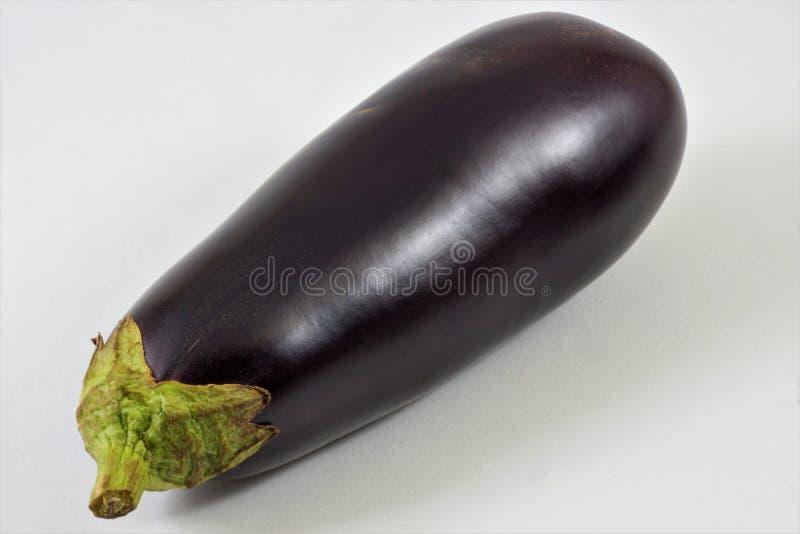 Essbare Frucht der köstlichen Zartheit der Aubergine stockfotos