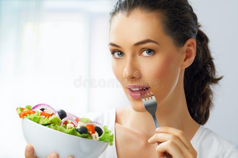 Essen der gesunden Nahrung stockbilder