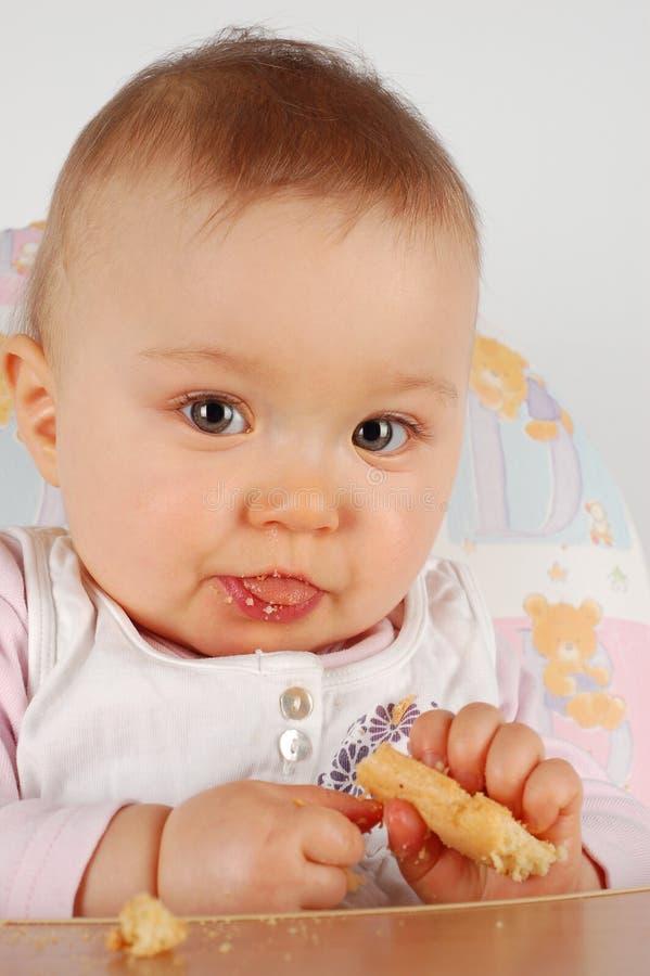 Essen des Schätzchens lizenzfreies stockfoto