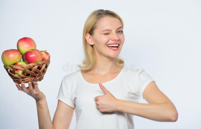 :   Essen Sie gesundes E Frau lizenzfreies stockbild
