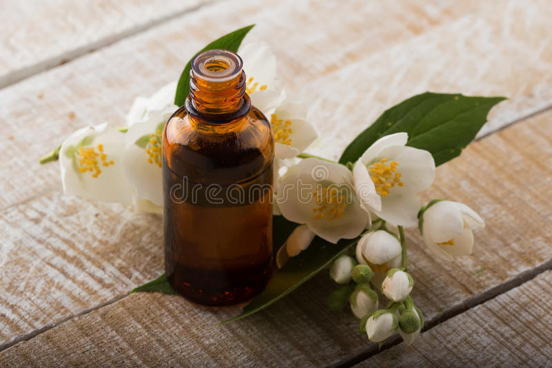 Essentiële aromaolie royalty-vrije stock foto