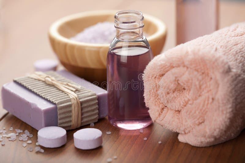 Essentiële olie en kruidenzeep. kuuroord en lichaamsverzorging stock afbeelding