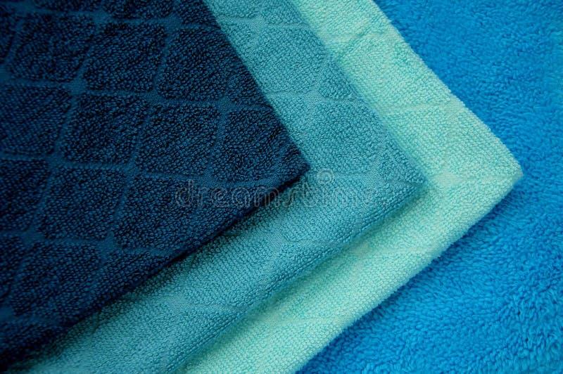 Essuie-main bleus photographie stock libre de droits