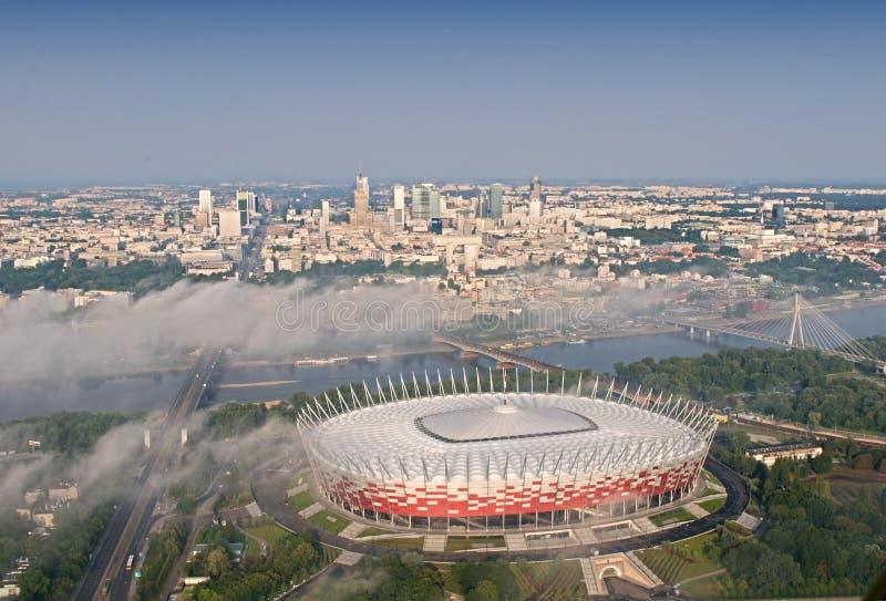 Estádio de futebol nacional - opinião do helicóptero imagens de stock