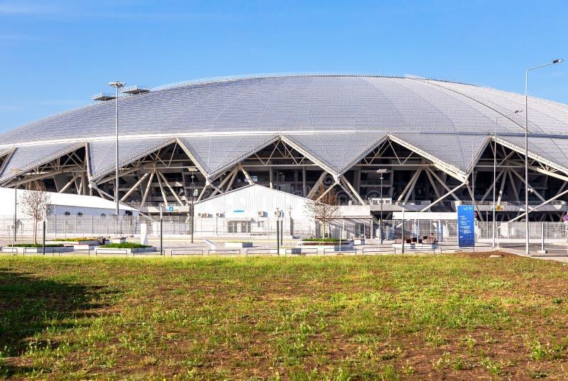 Estádio de futebol de Samara Arena no dia ensolarado fotos de stock royalty free