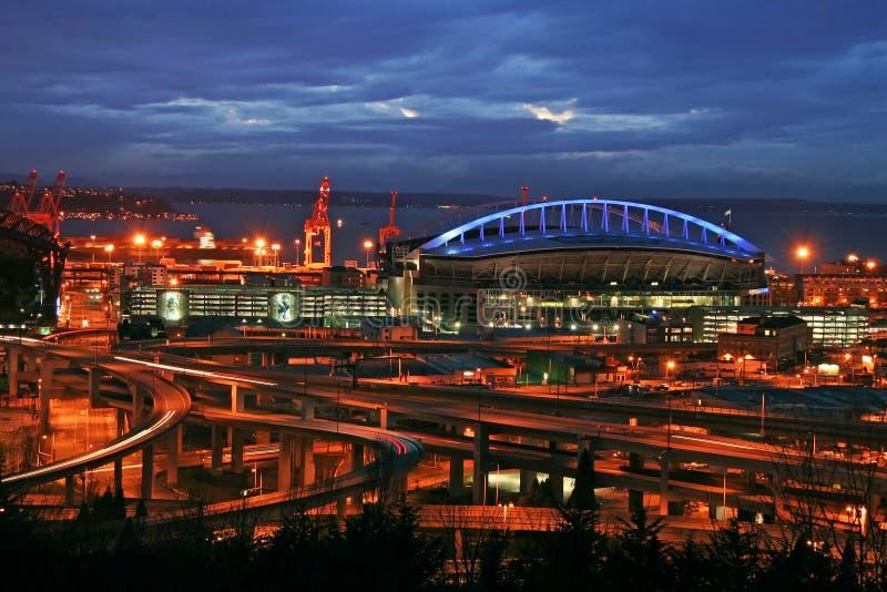 Estádio de Seattle na noite fotografia de stock royalty free